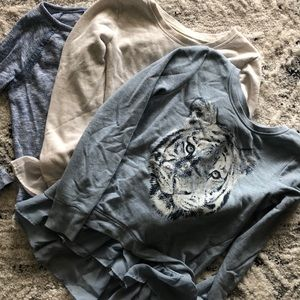 LOT: Girls long sleeve shirts
